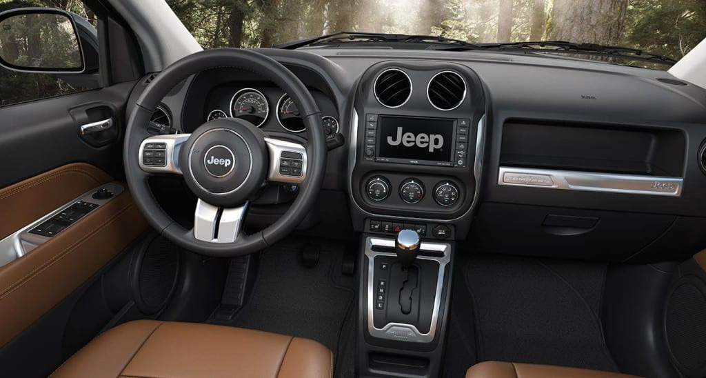 2-2014-jeep-compass-saddle-tan-interior-trim