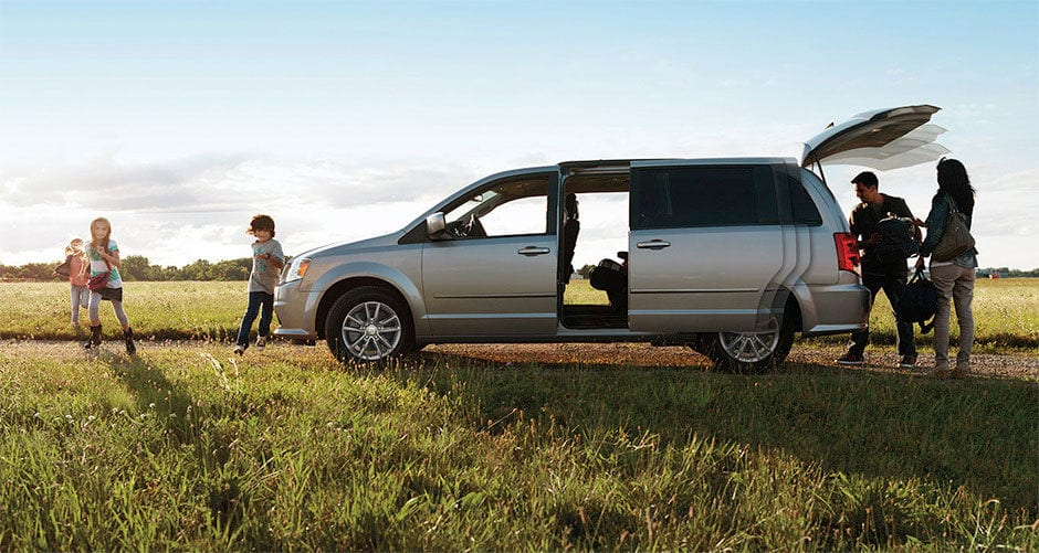 Which Family Vehicle is the Most Convenient? The Minivan vs. the SUV